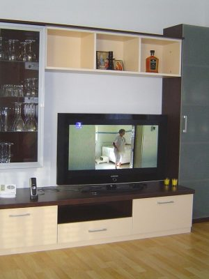TV vitrine i komode